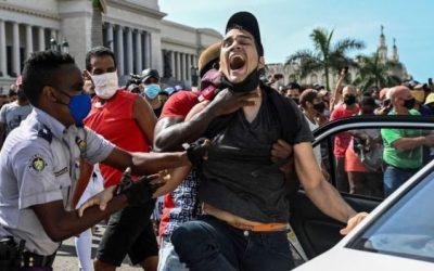 """Protestas en Cuba: el inédito """"debate constitucional"""" luego de que el gobierno prohibiera una marcha opositora"""