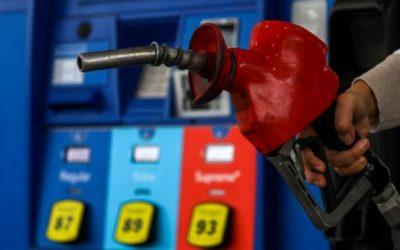 Por qué se ha disparado el precio del petróleo en el mundo (y qué tiene que ver la inusual estrategia de algunos productores)