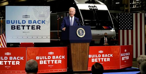 """Manchin: un acuerdo """"está cerca"""" en la semana clave para los planes de Biden"""