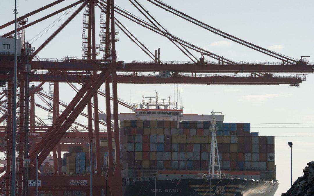 Análisis Ampliado: Biden pide incrementar las horas de servicio en el Puerto de Los Ángeles para enfrentar desfase en cadena de suministros