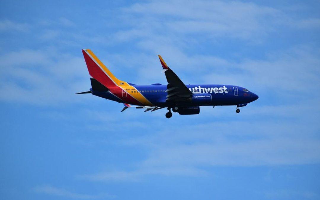 Southwest Airlines registra cancelaciones y retrasos de vuelos por cuarto día consecutivo